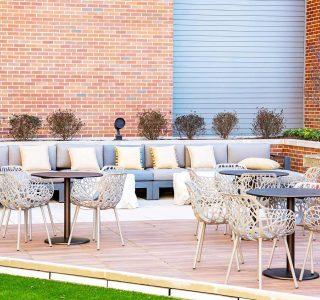 Artisan 4100 outdoor seating